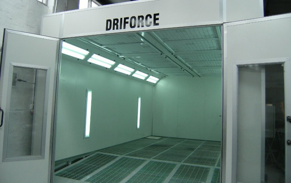 Driforce Fully Down Draught Automative Paint Booth & Oven